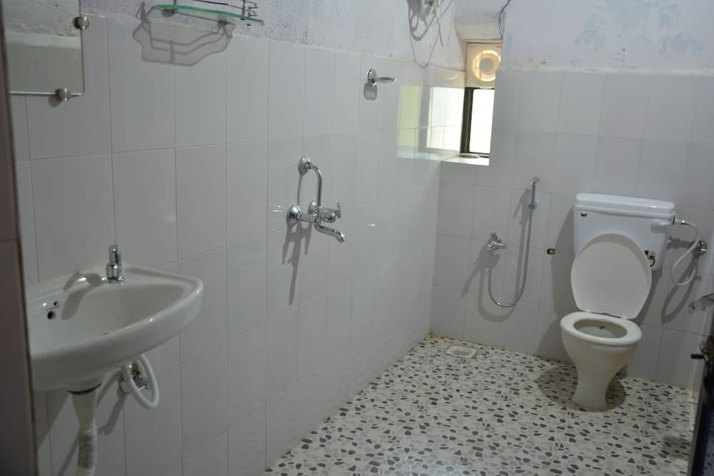 Deluxe Shared Dormitory, Mixed Dorm (8 Beds) - Bathroom