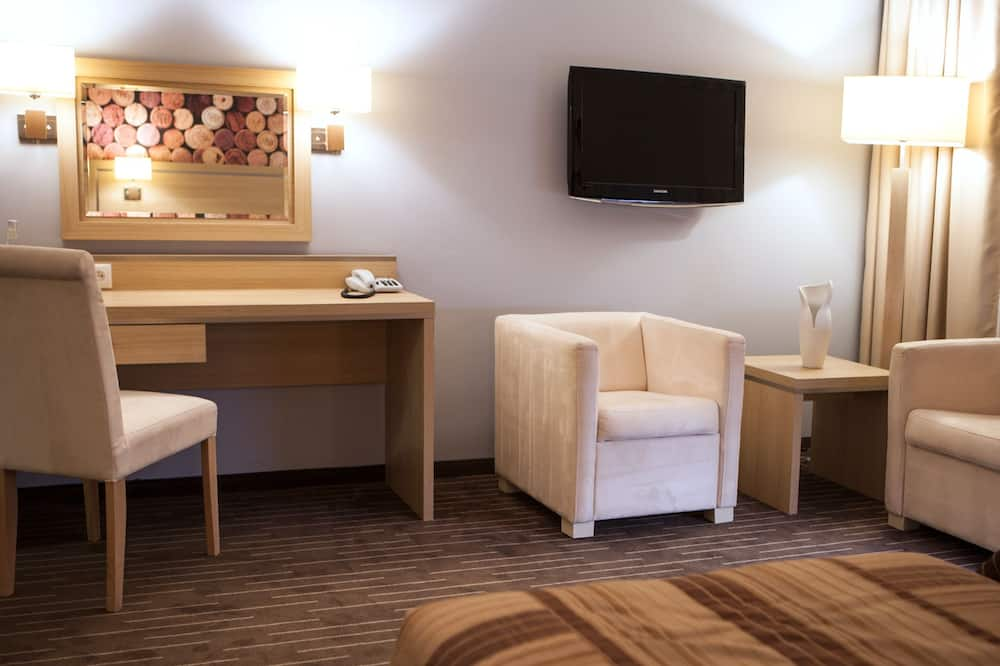 Premium Twin Room, 2 Twin Beds - Guest Room