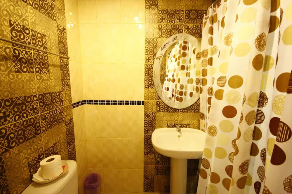 Double Room - Vonios kambarys