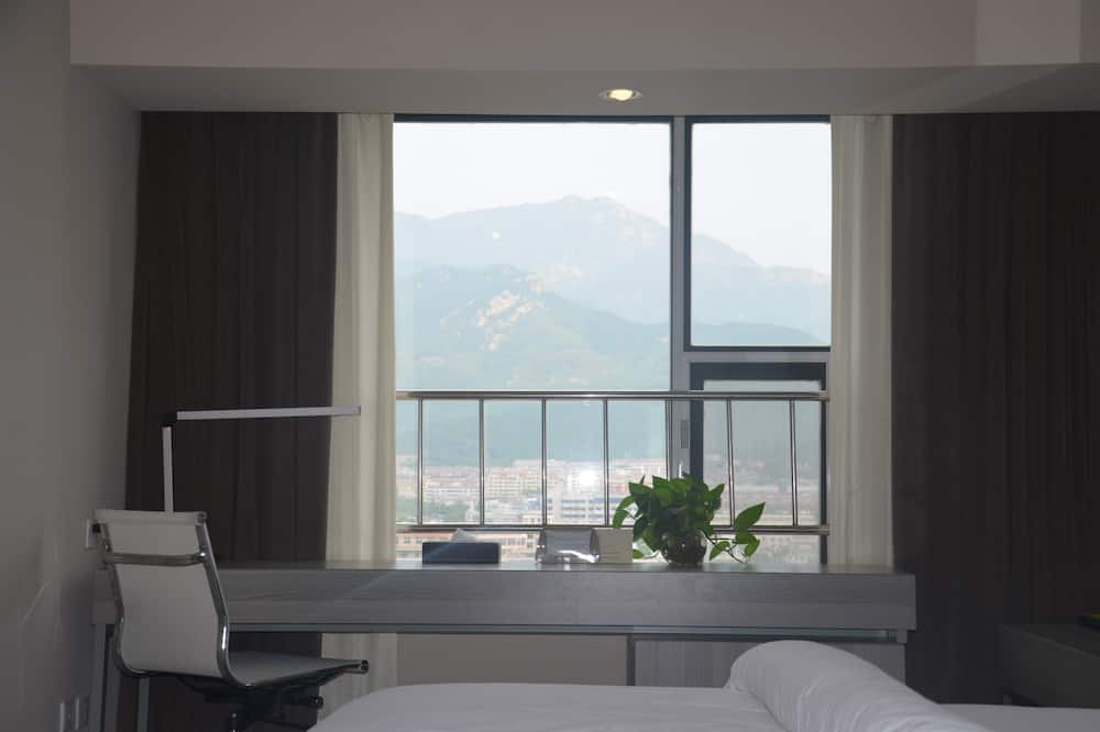 Business Room, Mountain View (Super Sassy) - Guest Room View