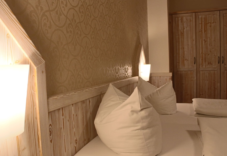 Central Hotel, Winterberg, Comfort Double Room, 1 King Bed, Non Smoking, Guest Room