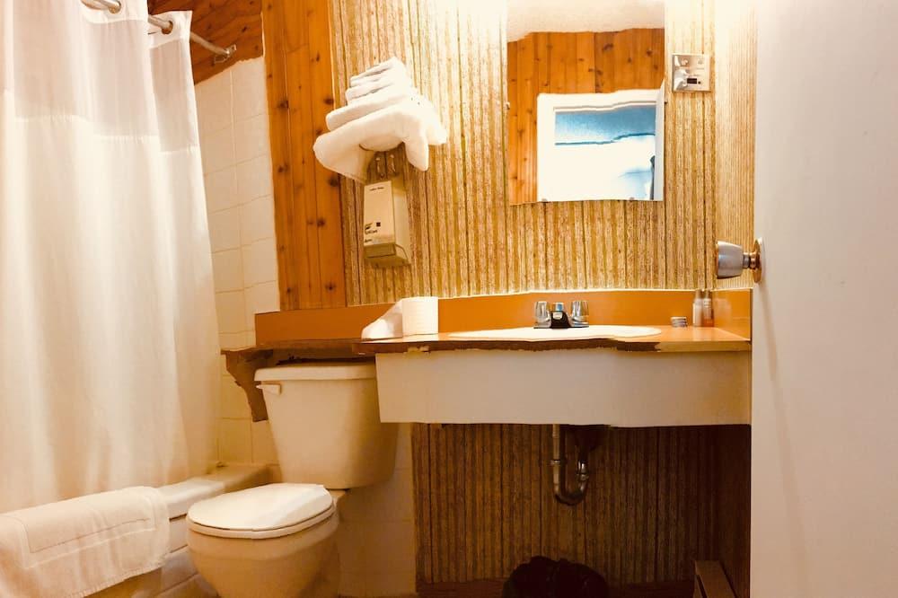 Huone, 1 keskisuuri parisänky - Kylpyhuone
