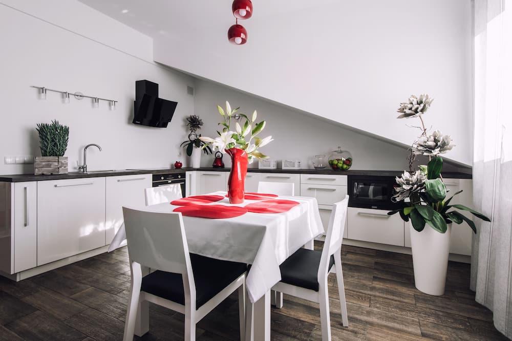 Design Apartment, 1 Bedroom, Kitchenette - In-Room Dining