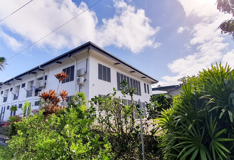 Island Apartments, Suva, Property Grounds