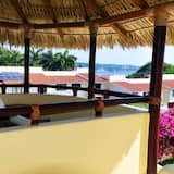 Couples Retreat in Exclusive Gated Community - Shared Pool w/ Stunning Views!, Santa María Huatulco