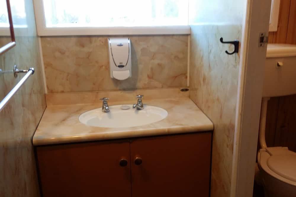 Στούντιο, 2 Υπνοδωμάτια, Κουζίνα - Παροχές μπάνιου