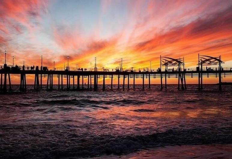 Cottage Is All New & Charming, Steps to the Beach, Redondo Beach, Beach