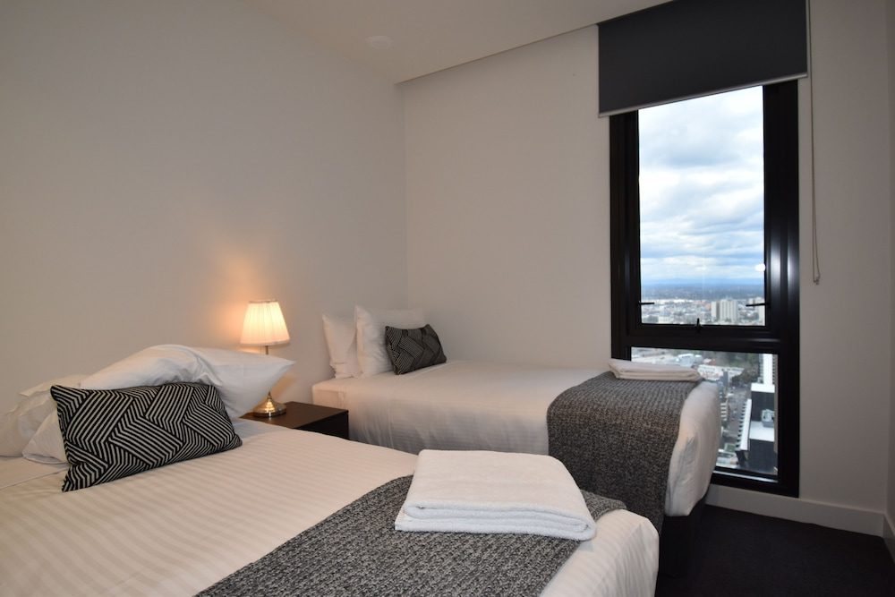 Melbourne Empire Apartments, Melbourne, Deluxe Two Bedroom Apartment With  Two Bathrooms, Guest Room
