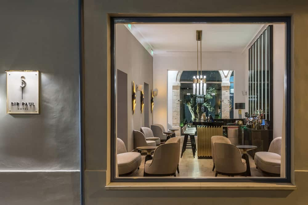 Hotelski salon