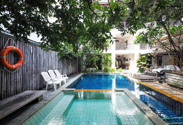 OYO 988 Good Morning Chiang Mai Tropical Inn, Chiang Mai, Outdoor Pool