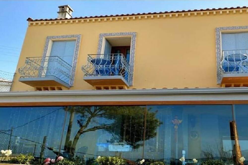 Mặt tiền khách sạn