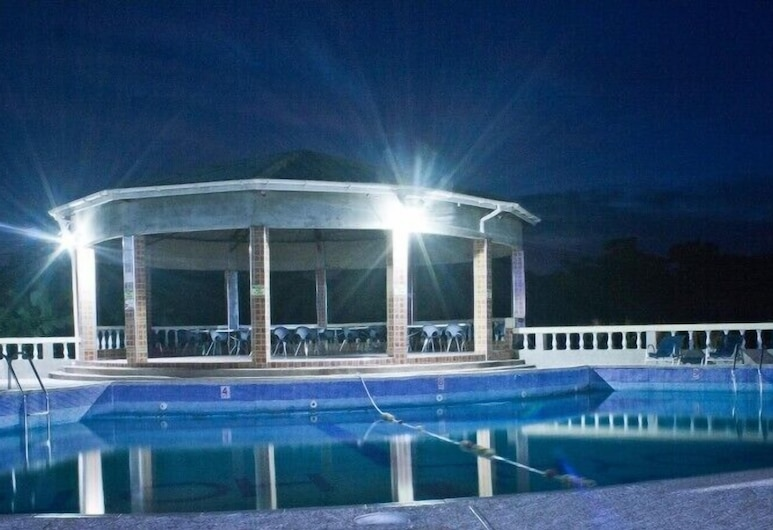 Modak Royal Hotel, Abetefi, Ulkouima-allas
