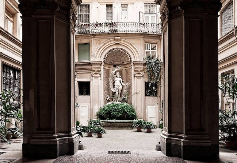 Xenia Guest House, Rome, Hotel Entrance