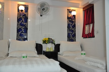 Picture of New Guangzhou Guesthouse - Hostel in Kowloon