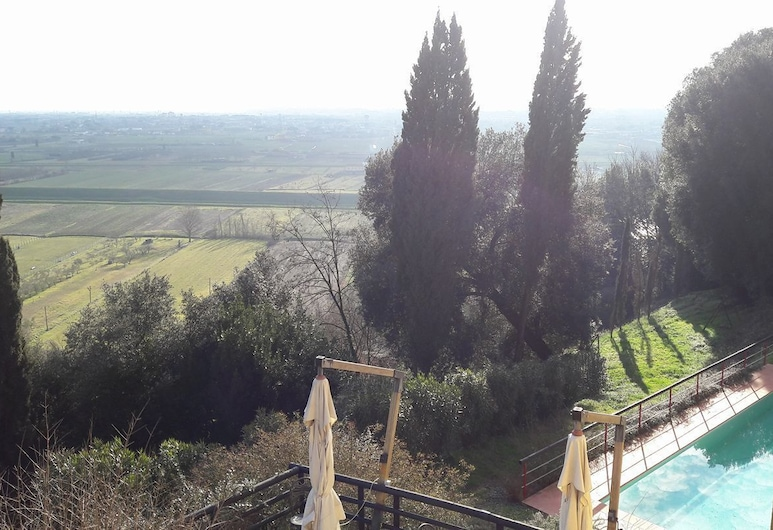 Fortezza di Pozzo, Santa Maria a Monte, Piscina al aire libre