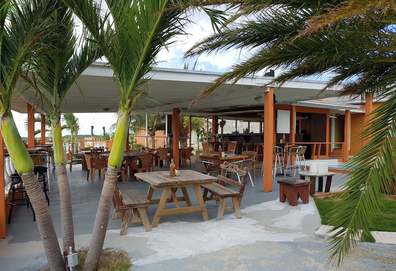 Sunset Ridge Hotel, Providenciales, Outdoor Dining