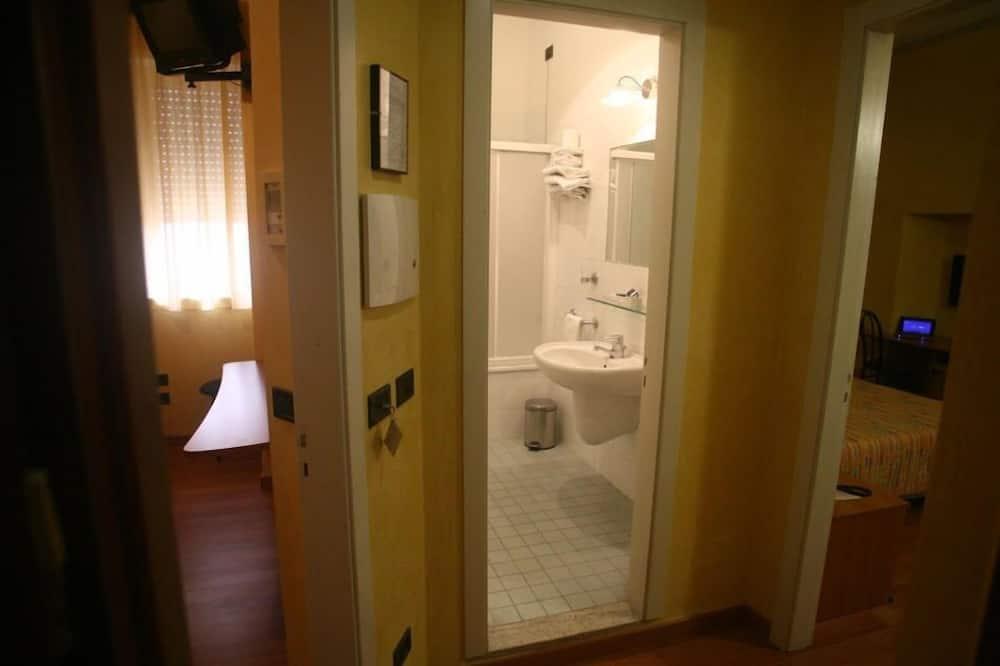 Семейный номер, смежные номера - Ванная комната
