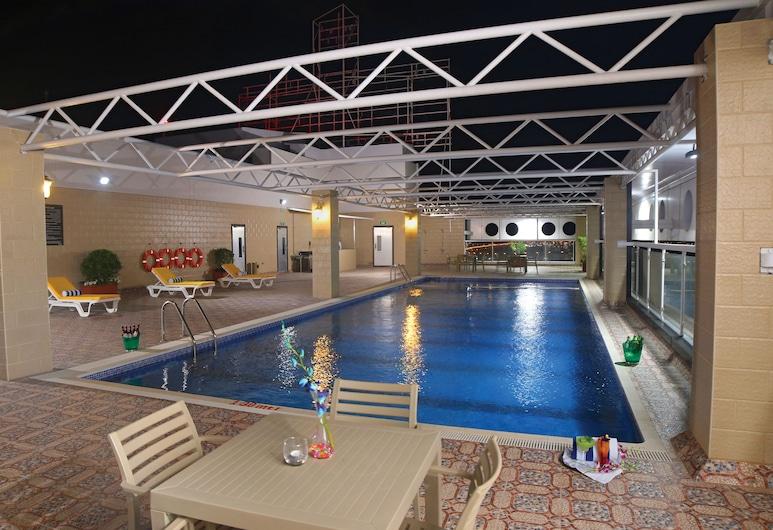 Park Regis Lotus Hotel, Manama, Rooftop Pool