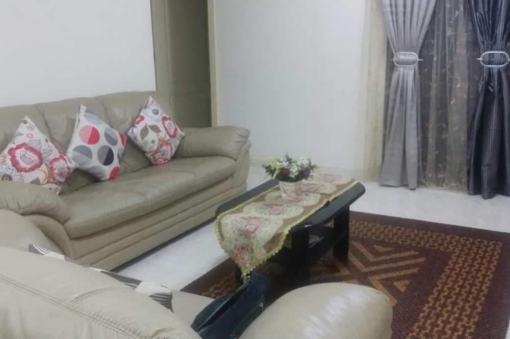 Apartamentai, 3 miegamieji (Halal-only Kitchen) - Svetainė