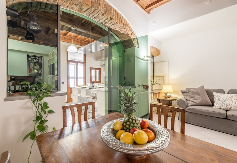 Giulietta, Florence, Standard Apartment, 2 Bedrooms, Balcony, Living Room