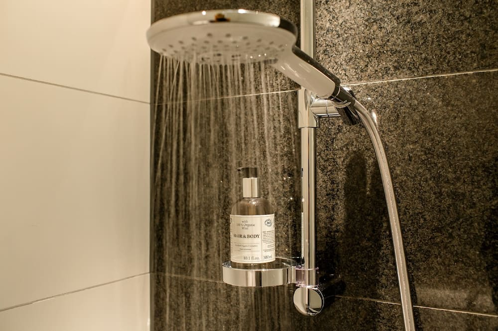 Room, 1 Queen Bed - Bathroom Shower