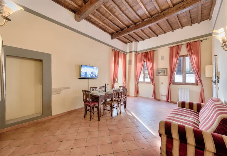 Central Strozzi, Florence, Deluxe Apartment, 2 Bedrooms, Living Room