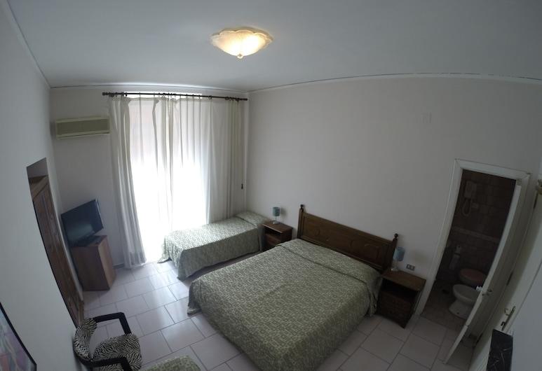 波本納不勒斯酒店, 那不勒斯
