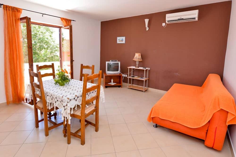 Apartment with 1 Bedroom (3) - منطقة المعيشة