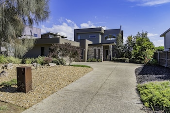 Picture of 31 Sands Blvd in Torquay
