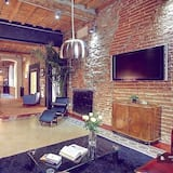 Design House, 2 Bedrooms, 2 Bathrooms - Living Room