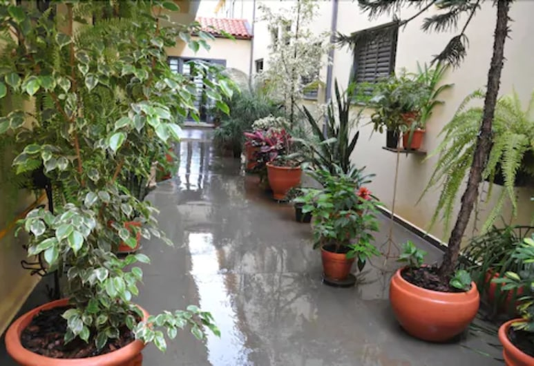 Hotel Graúnas, Sao Carlos, Garden