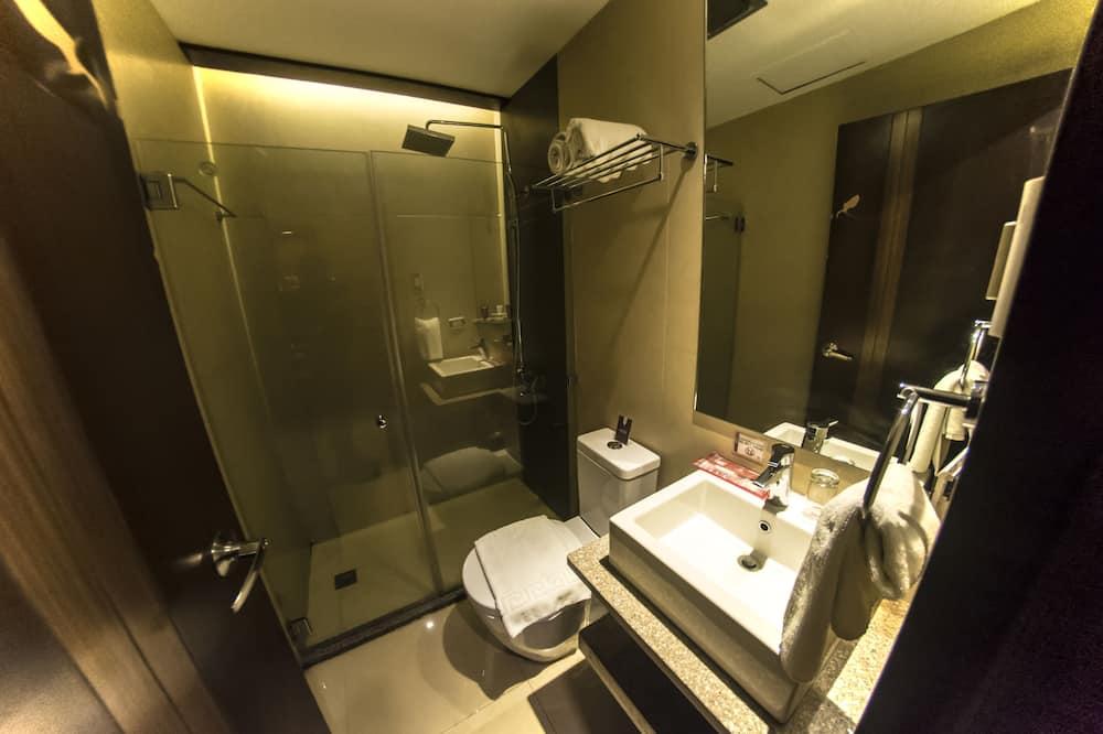 ห้องพรีเมียม, เตียงควีนไซส์ 1 เตียง - ห้องน้ำ
