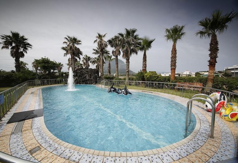 濟州海灘旅館, 西歸浦, 室外游泳池