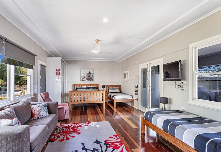 Government Road, 102, Nelson Bay, Living Area