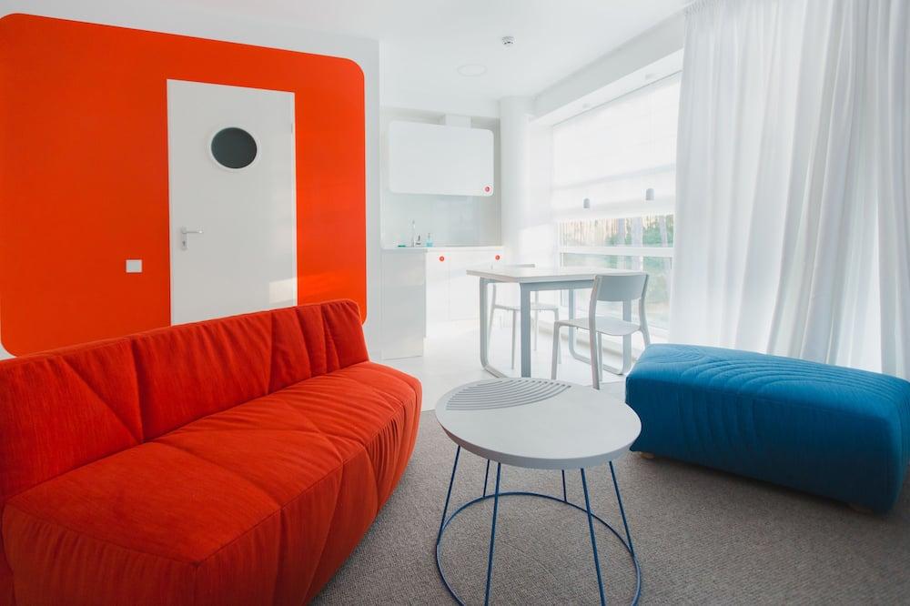Phòng 2 giường đơn có thiết kế đặc sắc, 2 giường đơn, Bếp nhỏ - Khu phòng khách