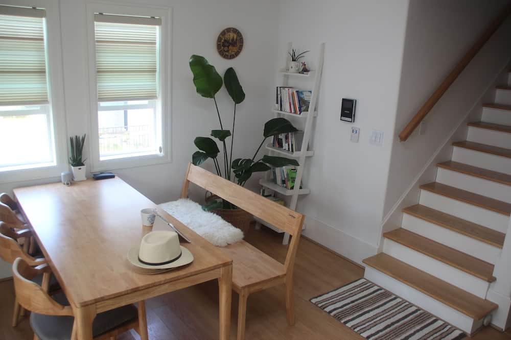 Deluxe Twin Room, 1 Bedroom - Ruang Tamu