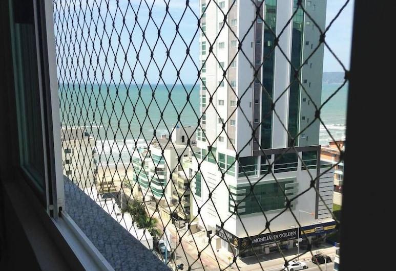 Apartamento a 200m do Mar BCHost 17, Итапема, Семейные апартаменты, несколько спален, балкон, с выходом на пляж, Вид из номера