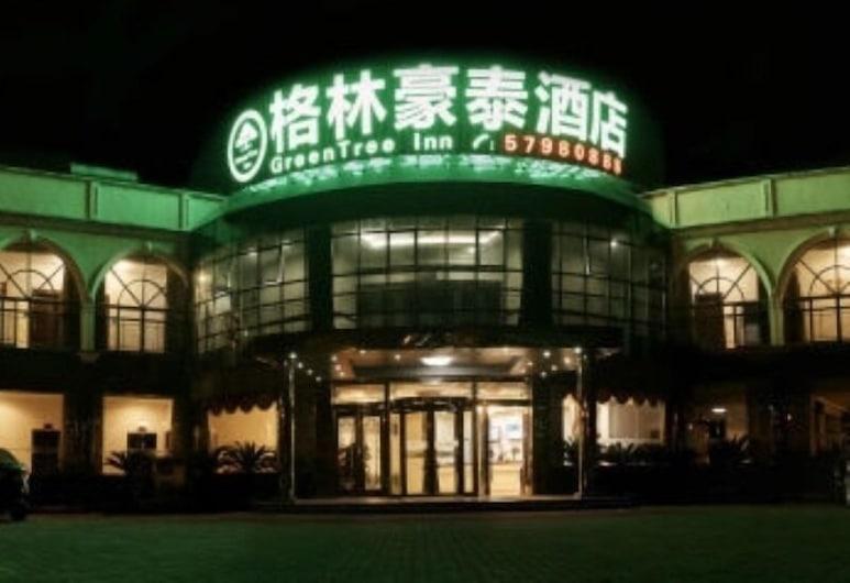 GreenTree Inn Suzhou Kunshan Bacheng Town Hubin North Road Business Hotel, Suzhou, Hotel Front – Evening/Night