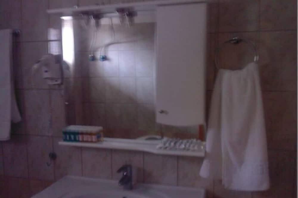 Classic-Studio, Meerblick - Waschbecken im Bad
