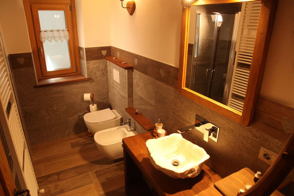 Deluxe dvokrevetna soba, balkon (Sci Alpino) - Kupaonica