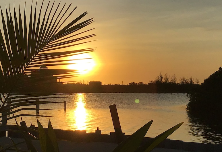 Blue Bay Cottage, Caye Caulker, Superior Double Room, 1 Queen Bed, Ocean View, Oceanfront, Beach/Ocean View