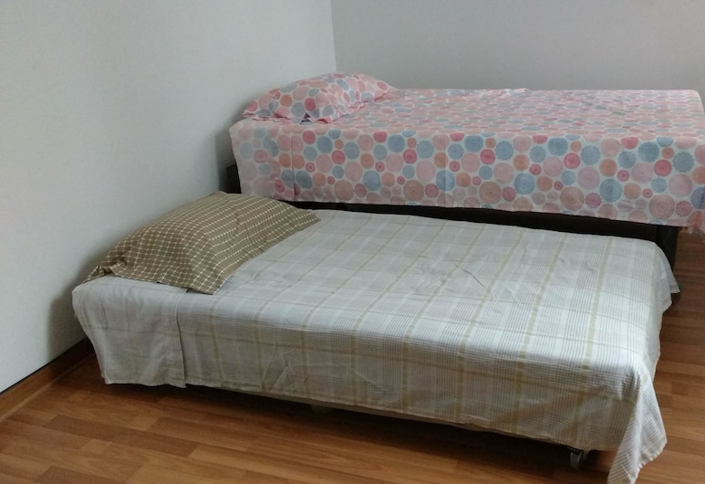 Room Close to the Beach, Lima, Independent Twin Room, 1 Bunk Bed, Guest Room