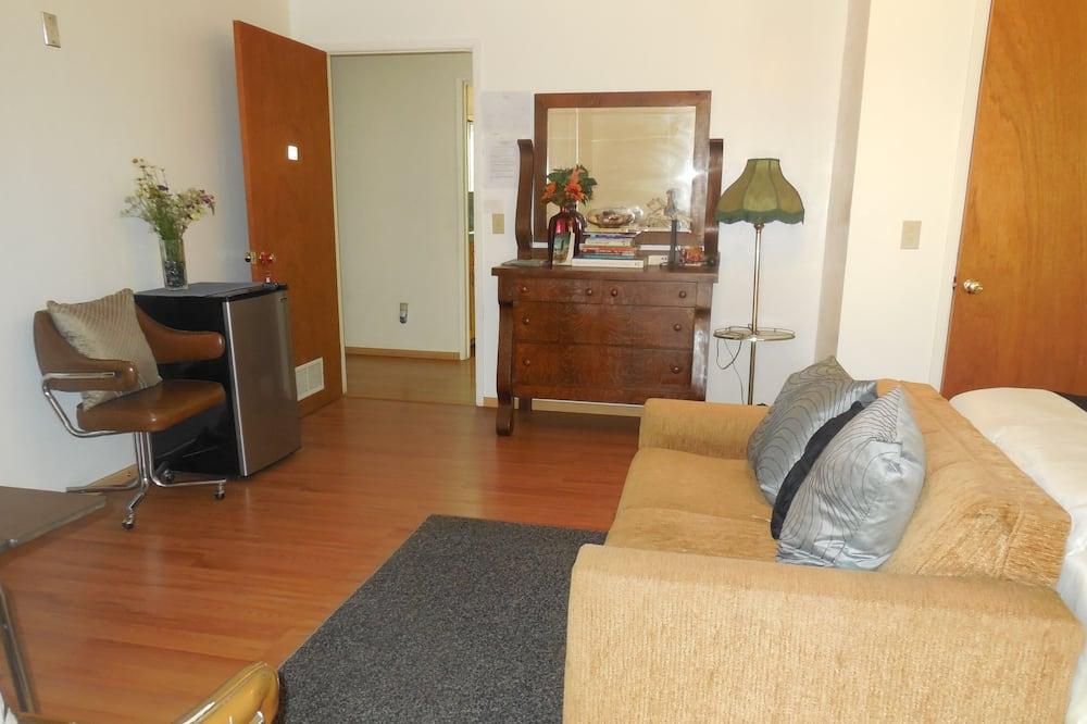 Izba typu Deluxe, 2 veľké dvojlôžka, súkromná kúpeľňa, výhľad na kopec - Obývacie priestory