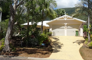 Picture of Palm Cove Holiday House in Palm Cove