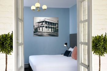 Picture of The Stirling Arms Hotel in Guildford