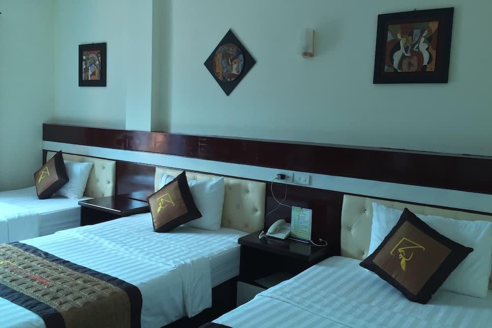 Standard Room, 3 Twin Beds - Children's Theme Room