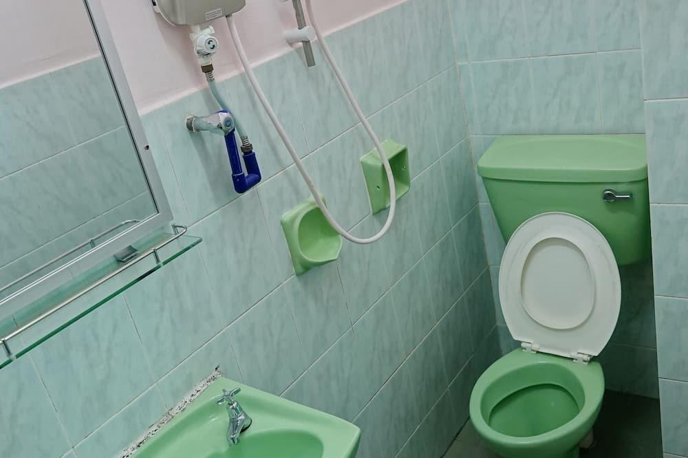 Superior-Vierbettzimmer - Badezimmer