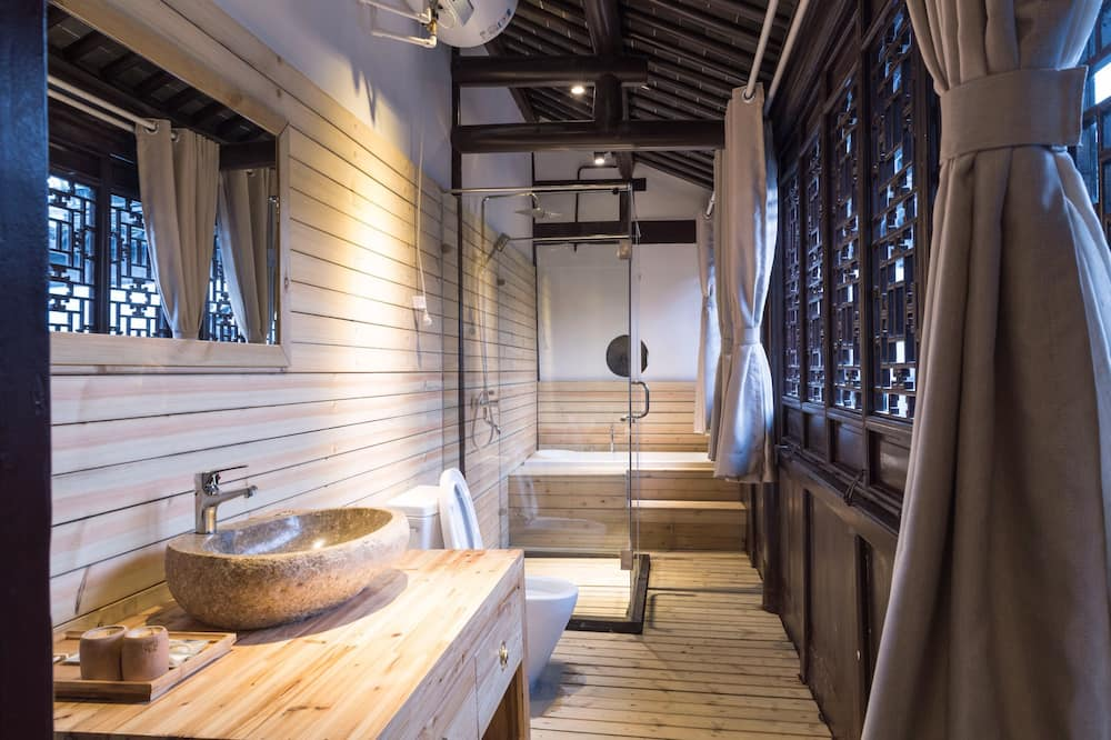 Deluxe Double Room 3 - Bathroom