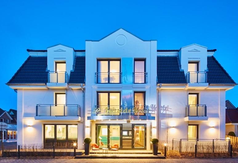 BERNSTEIN 50'S SEASIDE MOTEL, Büsum, Hotel Front – Evening/Night