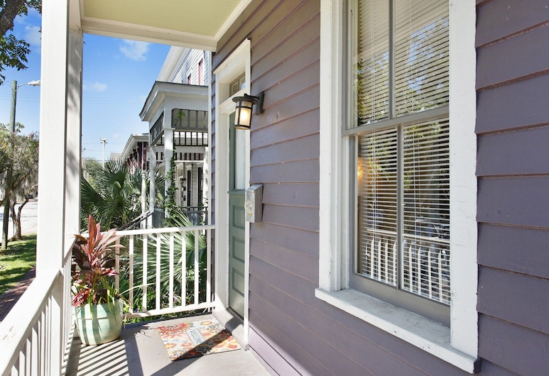 Historic 4BR w/Fenced Yard in the Victorian District Home, Savannah, Property entrance